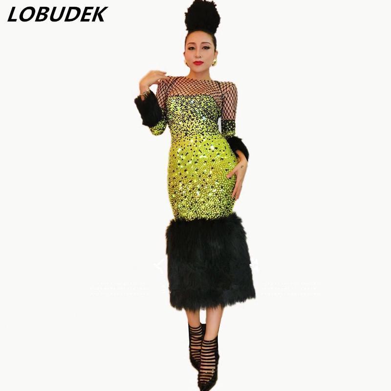 Lässige Kleider Weibliche Bühne Outfit Gold Vollrhinestones Schwarz Federn Skinny Kleid Prom Party Sänger Host Performance Kostüm Ein Stück