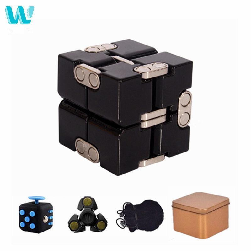 WinCotek Premium Metal Infinity Cube Cube Toy Déformation en aluminium Jouets Magical Cube pour Chilren Stress Relevetver pour EDC Anxiety C0323