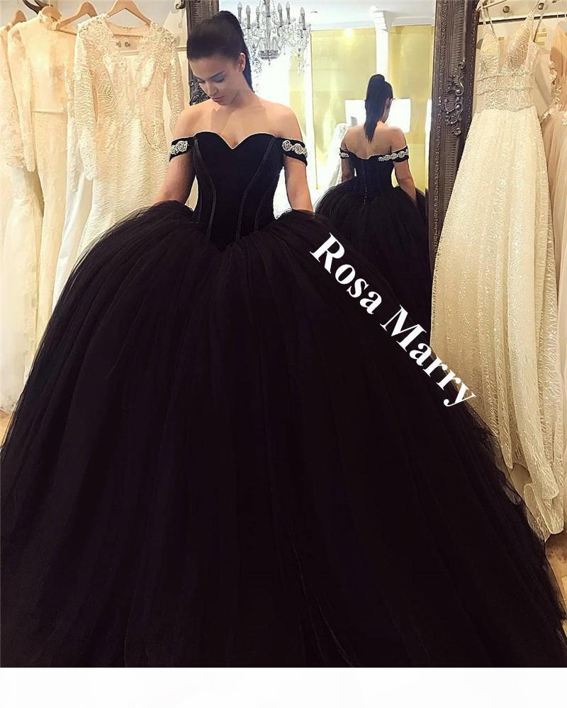 Gothic Black Ball Gown Arabo Abiti Abiti Arabo 2020 Off Spalla Velvet Plus Size Pulbe Tulle Principessa Masquerade Compagno da sera Abiti da festa