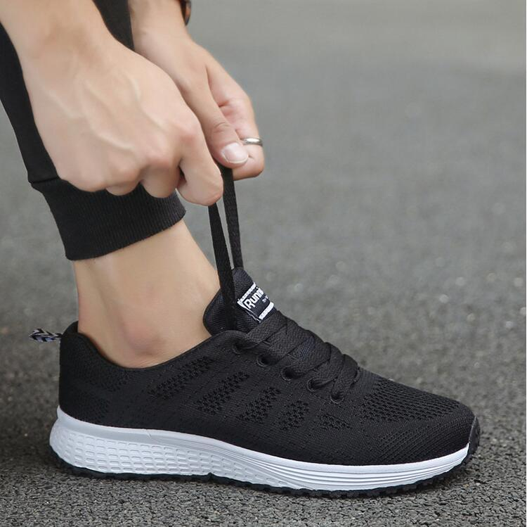 2021 المرأة عارضة الأحذية الأزياء تنفس المشي شبكة الأحذية المسطحة أحذية رياضية بيضاء تنيس feminino أنثى