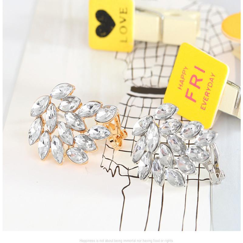 الكلاسيكية الماس الحصان العين الأذن كليب صفعة بسيطة شخصية الأزياء مسمار جودة عالية مجوهرات غرامة تلميع اللون حفظ kc الذهب