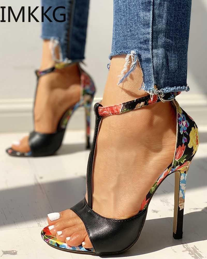 Moda verano sandalias para mujer PU impresión tobillo-envoltura delgada tacones altos moda sexy t-atado peep toe bodas zapatos de boda Y10115 210610