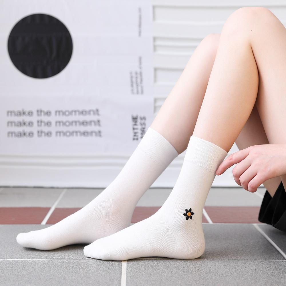Baumwollstickerei Moon Star Unisex Socken Persönlichkeit Harajuku Schwarz Weiß Paare Skateboard gestrickte Lässige Mode Socken