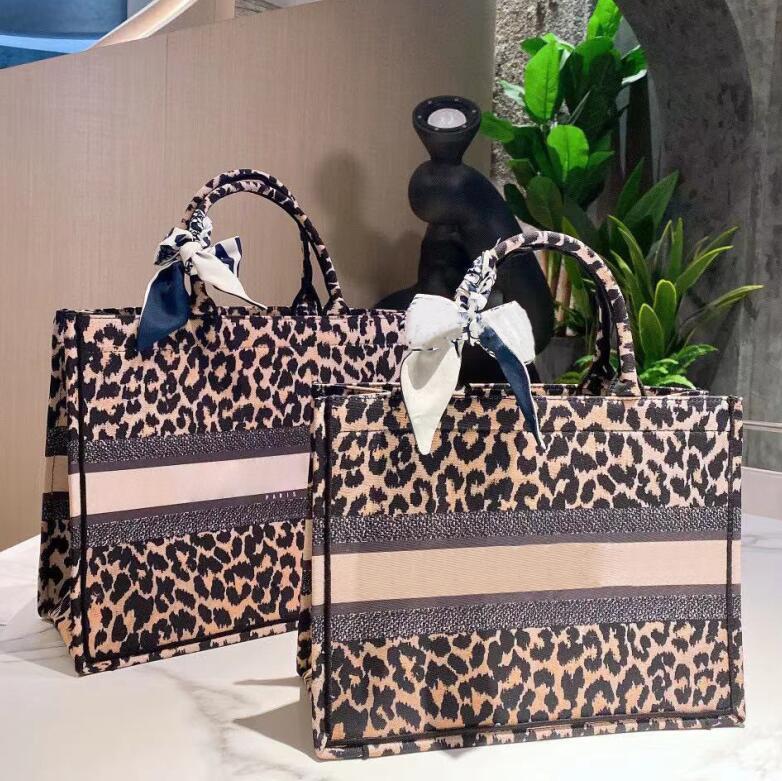 Moda Klasik Kılıf Kadın Çanta Tasarımcılar Alışveriş Çantaları En Kaliteli Bayanlar Omuz Çantası Büyük Kapasiteli İki Boyutu