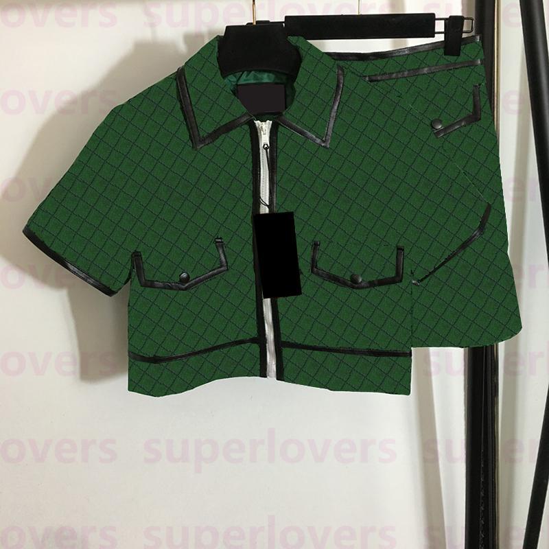 트렌디 한 여자 재킷 세트 높은 허리 드레스 스커트 여성을위한 전체 편지 인쇄 새로운 도착 탑 코트