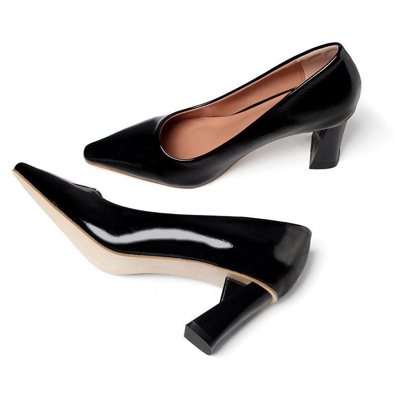 트렌디 한 단일 봄 신발 얕은 가죽 펌프에 마이크로 화이버 미끄러짐 여자가 뾰족한 발가락 두꺼운 하이힐 OL 작업