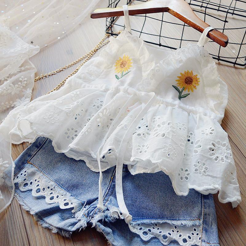 Varejo / Atacado Menina Moda 2 Pçs Conjunto Tracksuit Bordado Lace Halter Top + Jean Shorts Meninas Outfits Crianças Designers Roupas