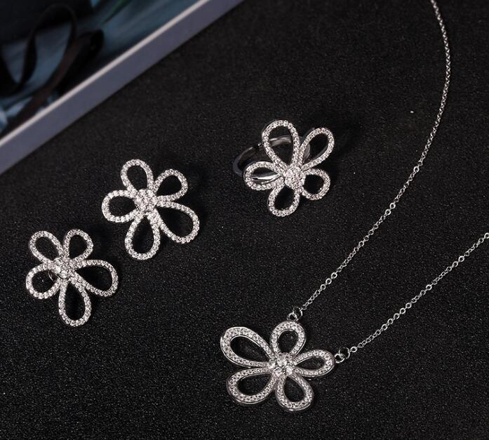 Collier de fleurs de fleur de luxe de luxe Sterling Sterling Boucles d'oreilles avec cristal pierre brillante Femmes bijoux Pendentif Colliers IP6D WVBY