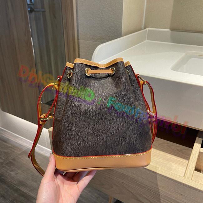 2021 Kadın Tote Kova Bagstop Kalite Bereket Çanta Moda Bayan Shoudler Çanta Mini Cüzdan Hobos Debriyaj Çanta Luxurys Tasarımcılar Gerçek Deri Çanta Tote