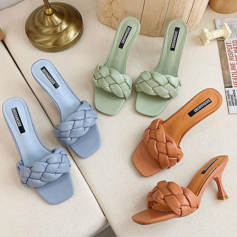Chaussures de robe Weave Designer Femmes Sliper Dames Mince High Heel Sandal 2021 Été Slip-Open Toe Brown Brown Slides Flip Flop Chaussure