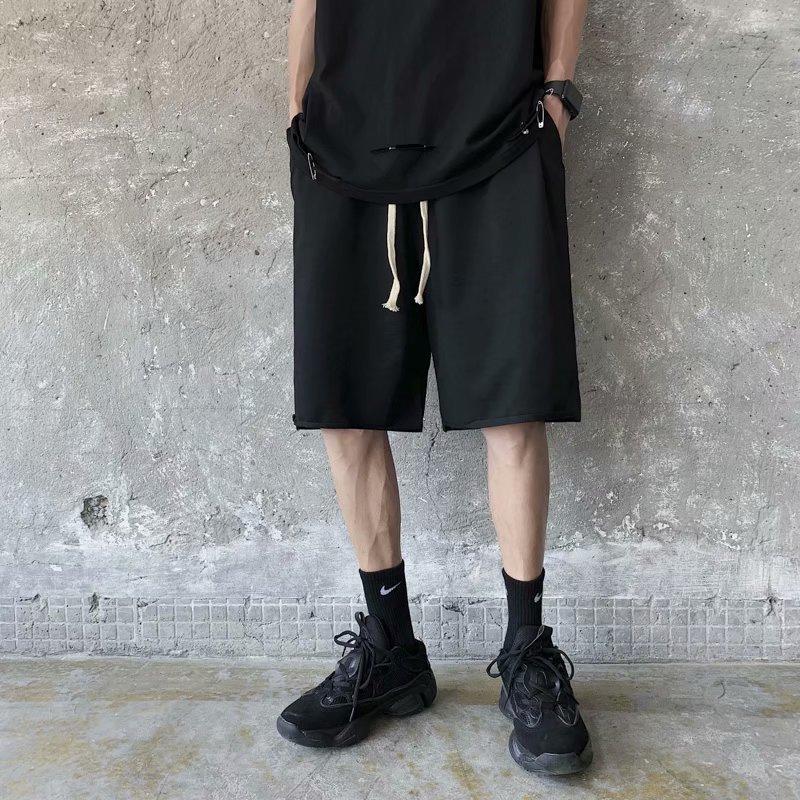 패션 스포츠 반바지 Mens Trend 단색 5 포인트 바지 여름 캐주얼 느슨한 및 편안한 청소년 바지