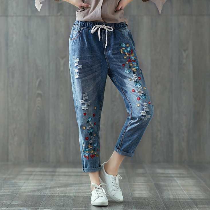 Jeans de mujer casual plus size bordado suelto fino flaco elástico cinturón costurado dama agujero lavado claro azul