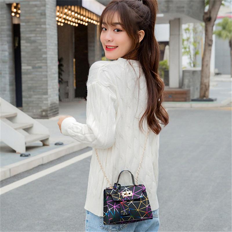 2021 جودة عالية أحدث الماس المرأة حقيبة الكتف k9 الصيف اللون الإبط المحافظ أزياء سيدة مصممي الفمويل العلامة التجارية حقائب اليد التجارية بلينغ نايلون لامعة حقيبة يد