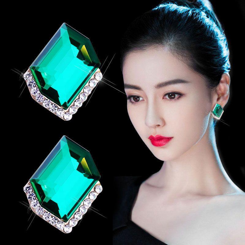 أقراط كريستال سوبر فلاش الأذن ترصيع 925 الفضة إبرة الإناث الكورية مزاجه الماس دانغل بسيطة شبكة الغلاف الجوي صافي الأحمر