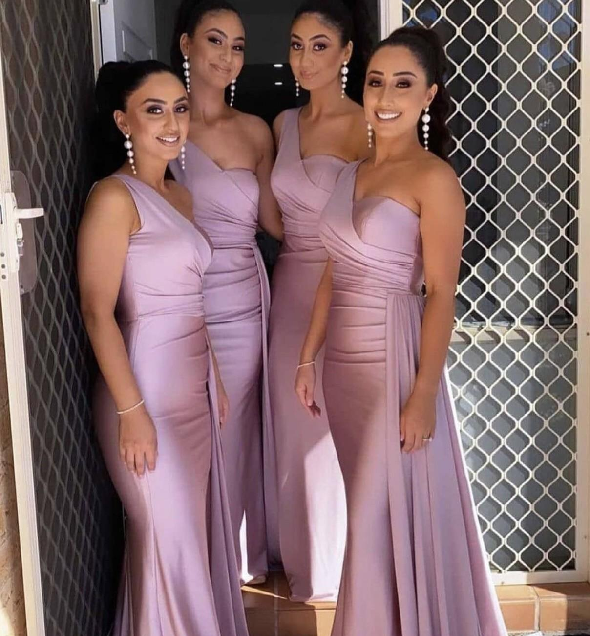 2021 Sexy One Shoulder Bridesmaid Dresses For African Unique Design Full Length Wedding Guest Gowns Junior Maid Of Honor Dress Ribbon Elastic Silk Like Satin Party