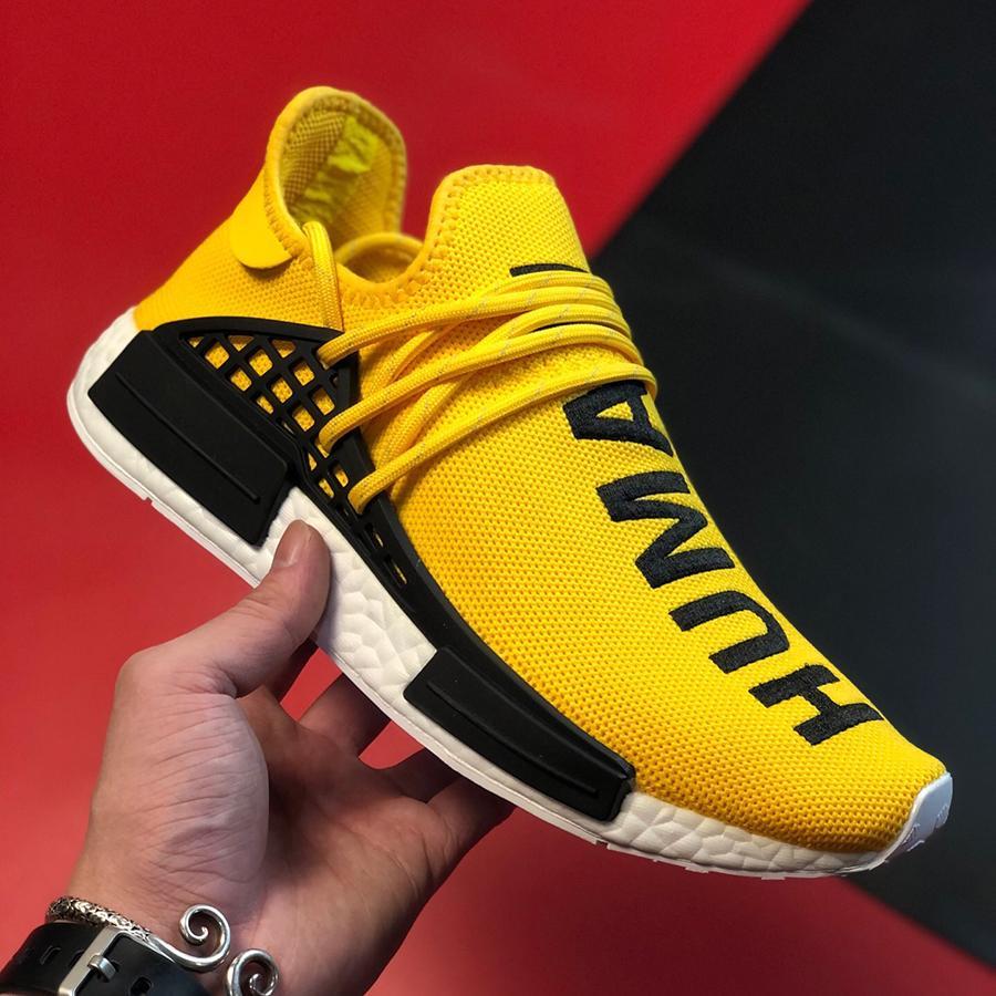2021 Chaussures de basket design de luxe pour les hommes hors femme White NMD Race humaine Nouvelle marque Sneakers Fashion Plate-forme Mocatafers exécutant des toboggers en mousse extérieure