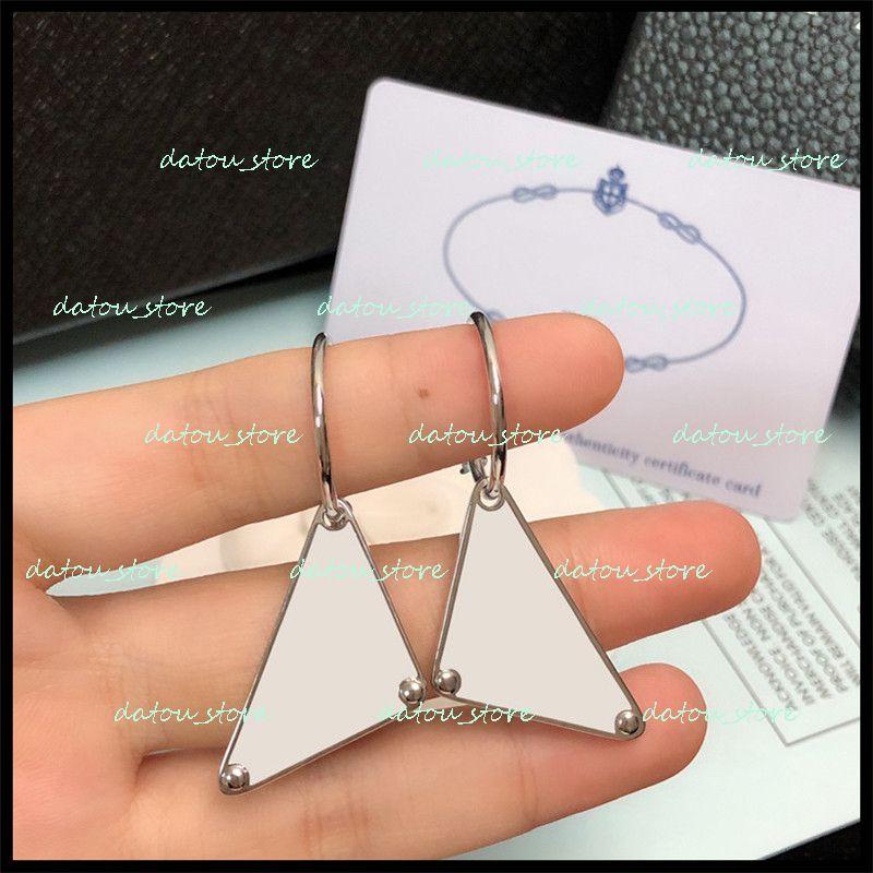 Fashion Charm Mens Mujeres Pendientes Lujos Diseñadores Stud Pendiente Sterling Silver Vintage Womens Jewelry Fiesta de boda Adornos para Lady Nice