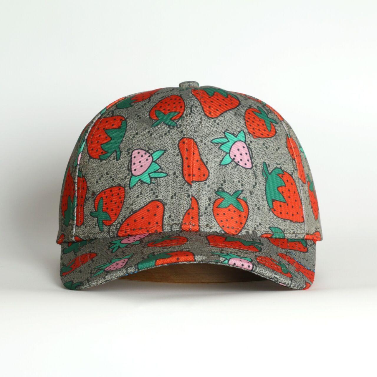 Em 2021 os designers de luxo projetam bordados tridimensional cor polo chapéu de beisebol e macho high-end e farelo famoso