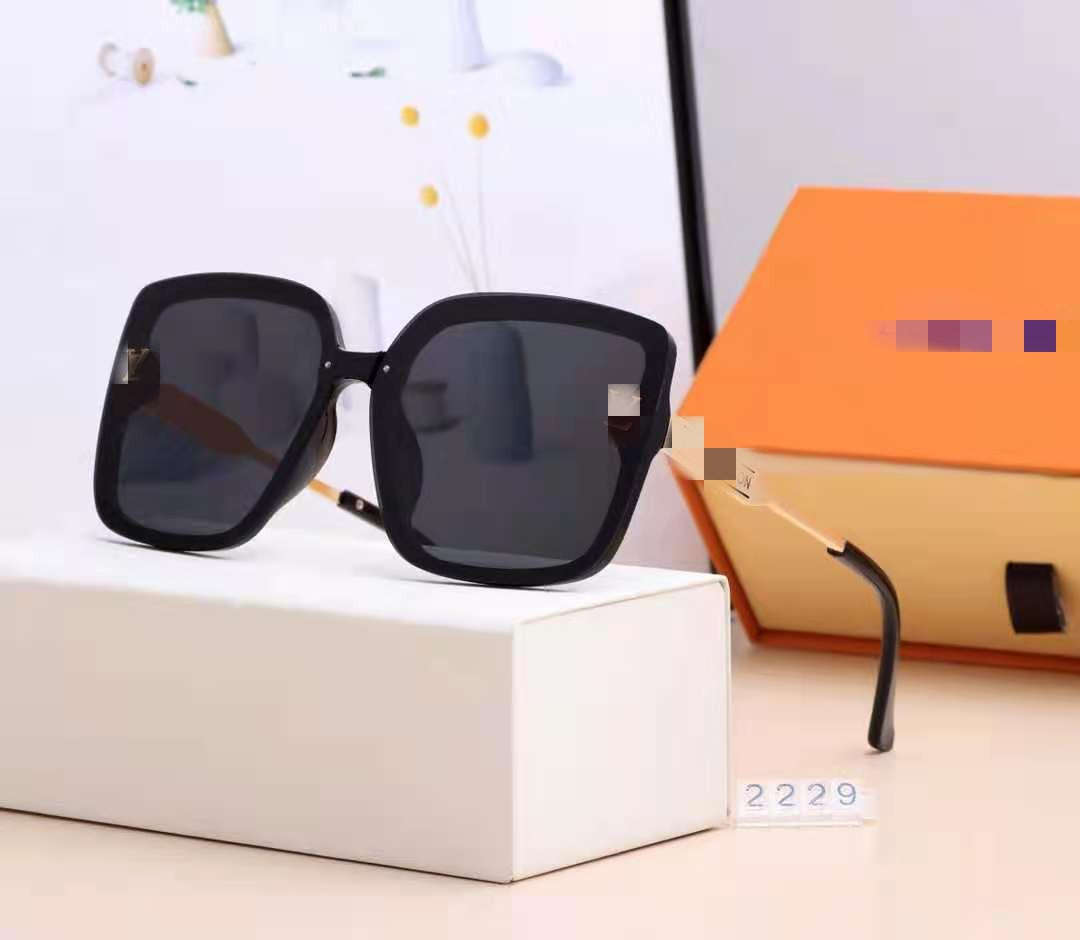 New Fashion Sunglasses With UV Protection for men and Women Vintage Rectangle Plank metal Frame popular Top Quality Come With Case