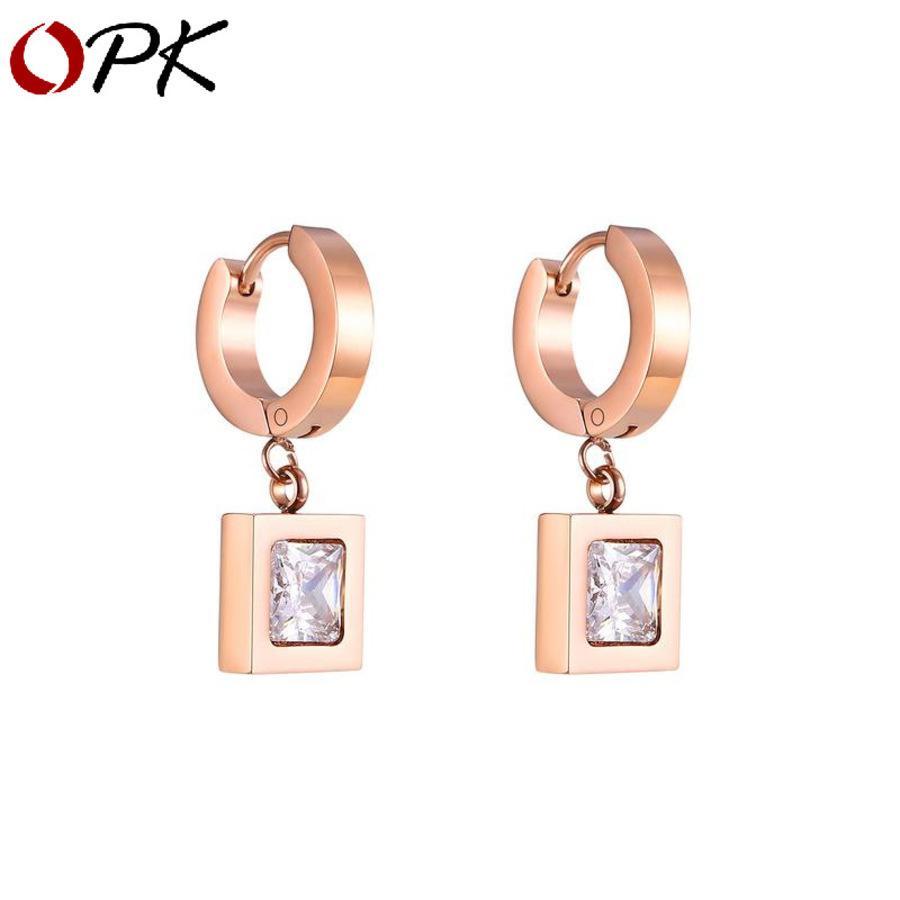 Pendientes de acero inoxidable de titanio chapado en oro rosa dama simple cuadrado cuadrado Zircon Yestr