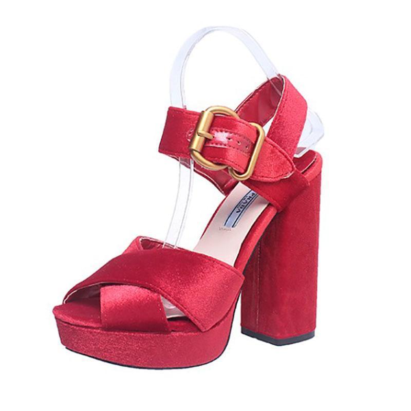 Каблуки женские толстые нижние усилия Элегантные дамы вечеринка свадьба высокие сандалии на 2021 красная мода пряжка обувь женщина