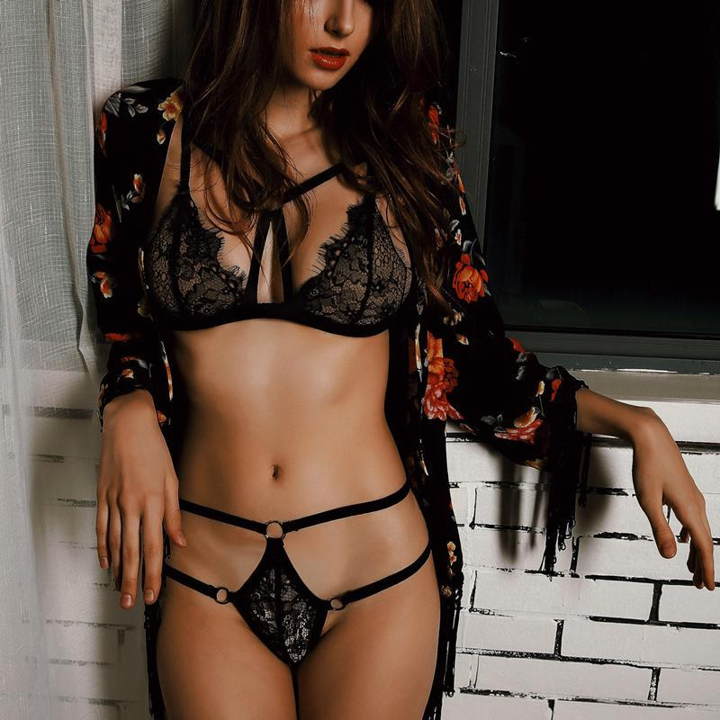 BHs Sets Schwarz Sexy BH Set Plus Größe Frauen Spitze Stickerei Transparente Unterwäsche Push Up Dessous Kreuz Strap und Höschen