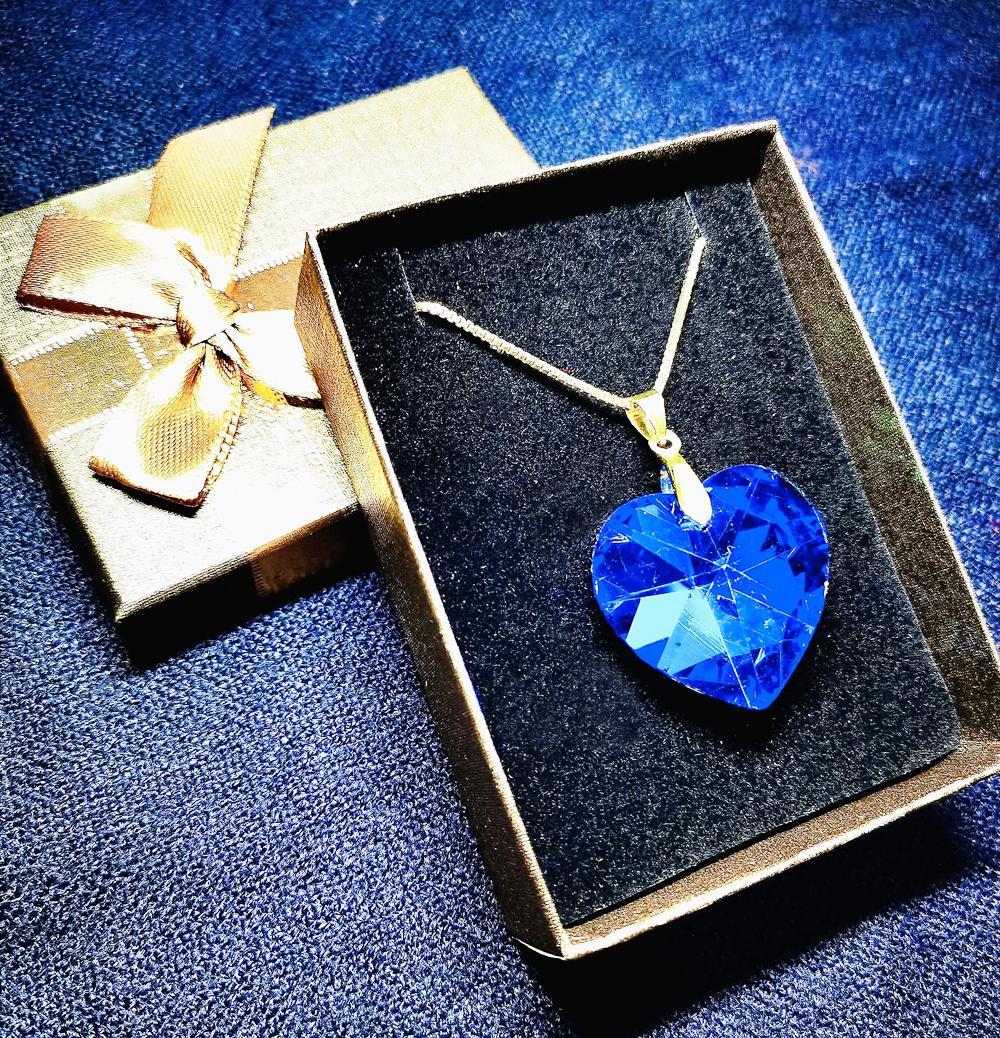 Vestido nupcial Collar de joyas Pendiente Set Heart Blue Crystal Gold Chapado Cadena Exquisita Handicraft Adecuado para fiesta Paquete de caja de regalo de cumpleaños de San Valentín