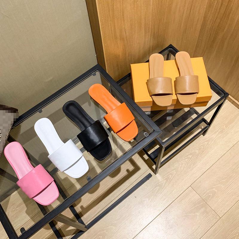Designer di lusso di alta qualità Donne Pantofole da donna Estate Stampa classica Fiori Sandali Spiaggia Scivolo piatto Piattaforma piatta da donna Sandali Bagno Bagno Scarpe domestiche con scatola