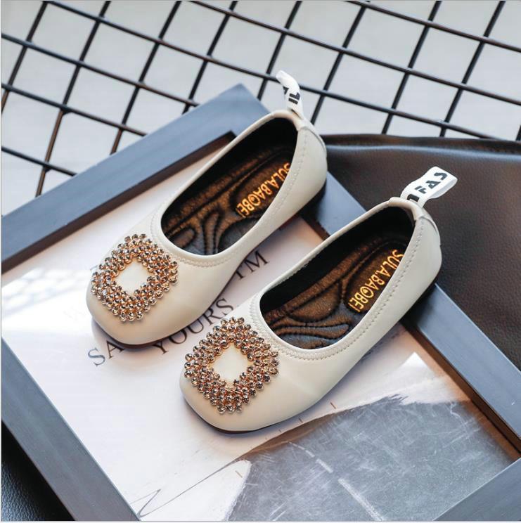 Zapatos para niños pequeños PU cuero niños princesa zapatos bebé niñas zapatos plana princesa casual danza única