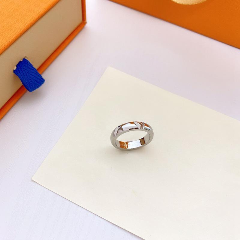 Bague de mode pour homme Femmes Unisexe Designer Bagues hommes Femme Bijoux 4 Couleurs Cadeaux Accessoires de luxe