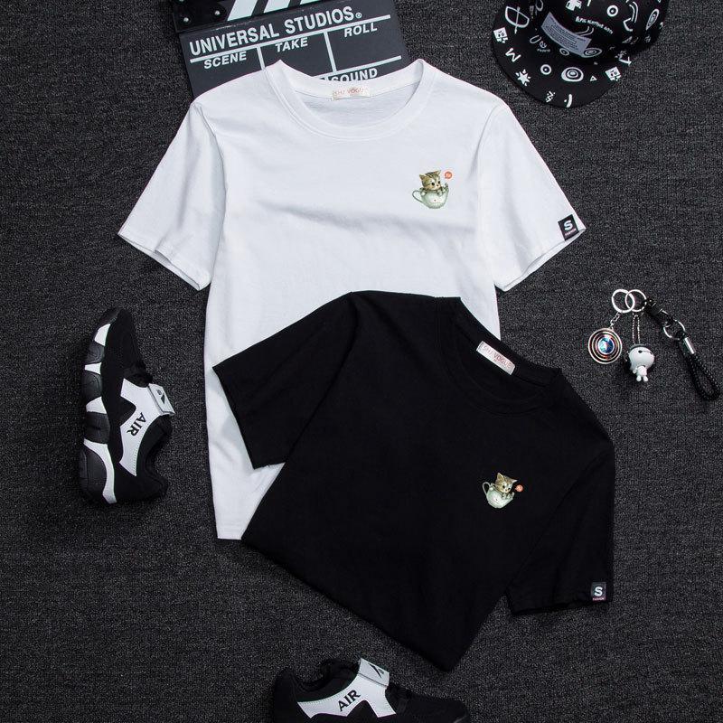 2021 Nueva camiseta blanca femenino corto suelto flojo estudiante coreano medio manga amantes usar taza taza gato vestido de clase de verano