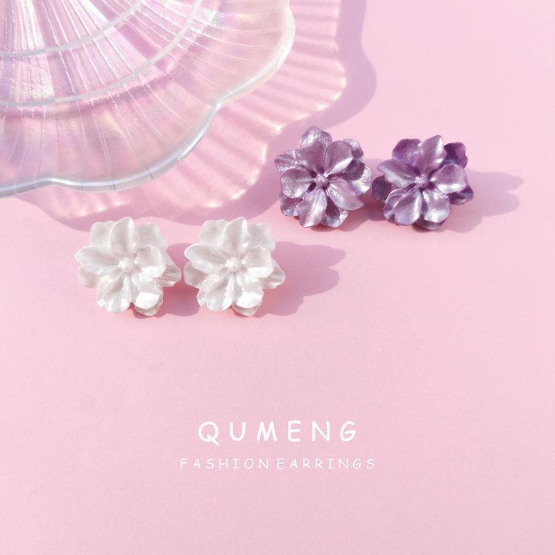 Orecchini da fiore vintage Donne in acrilico grande bianco viola viola stallone 2021 design dolce resina
