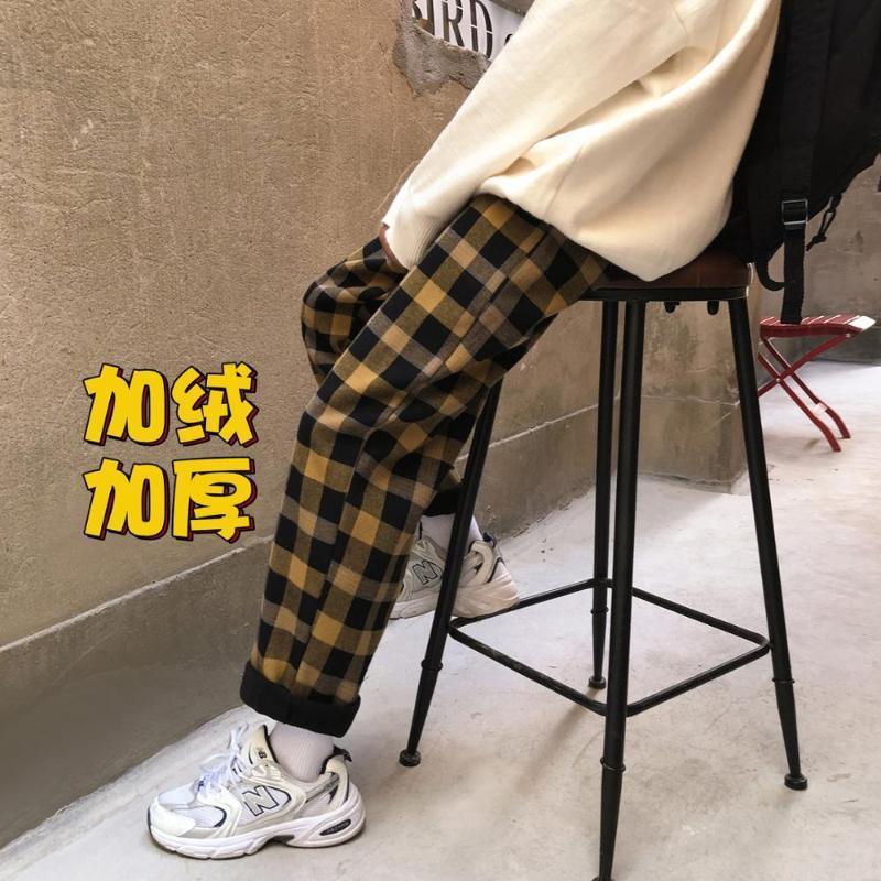겨울 2021 남자의 두꺼운 캐주얼 바지 느슨한 체크 인쇄 간단한 패션 젊은 스포츠 트렌드