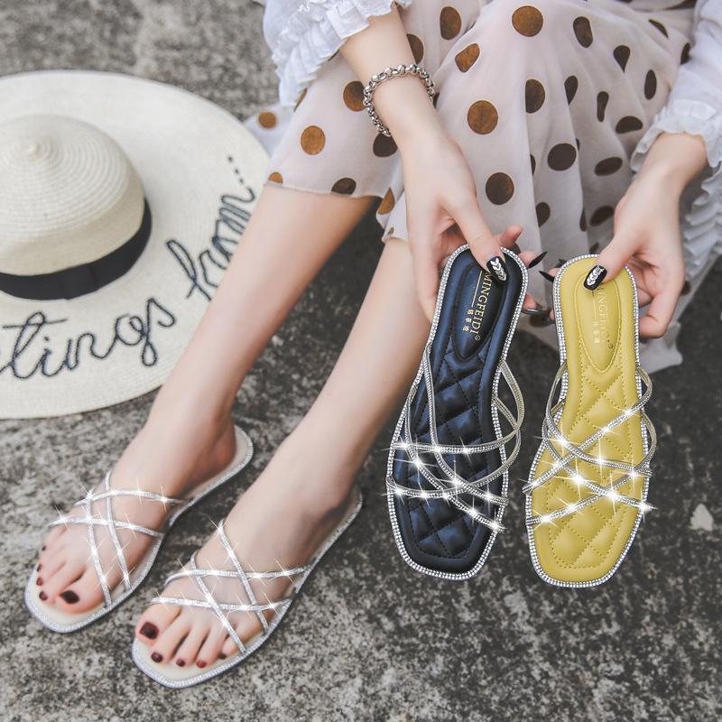 Yaz düz sandalet kadın rhinestone flip-floplar dış giyim büyük boy moda düz topuk terlik giymek