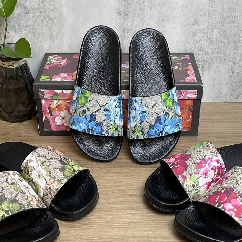 21 ألوان مصمم النعال أعلى جودة الشريحة الصيف الأزياء واسعة شقة شبشب الوجه بالتخبط رجل المرأة الصنادل الأحذية حجم 36-46