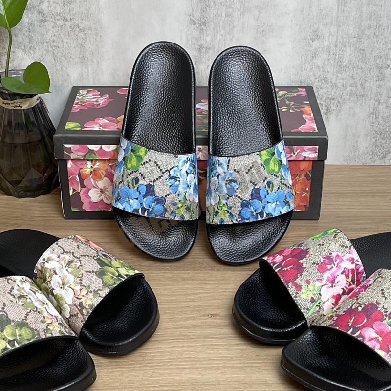 2021 Top Quality Femmes Hommes Diapantins Été Pantoufles Plage Sandales plates intérieures Flip Flops Sandale avec boîte EUR36-46