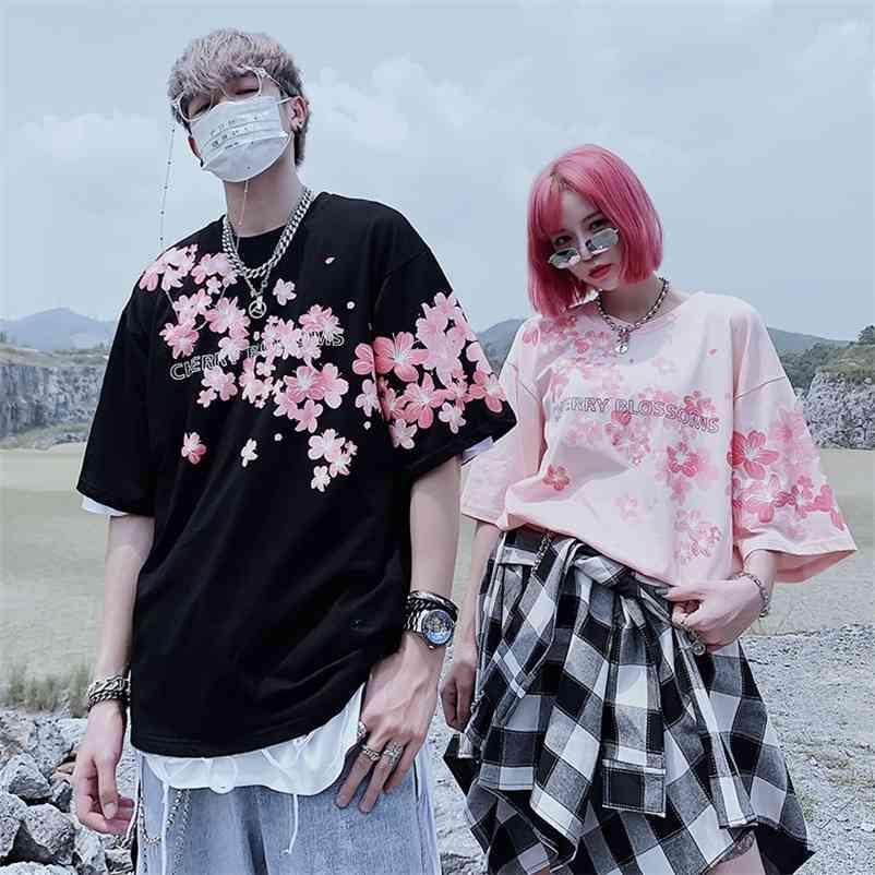 الصيف جودة عالية أزهار الكرز طباعة قصيرة الأكمام قميص القطن المتضخم الهيب هوب رومانسية الرجال والنساء زوجين تي شيرت 210320