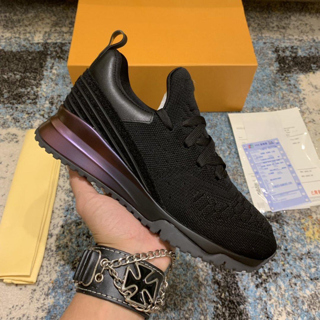 2021 lussurys designer scarpe di alta qualità marchio v.n.r donne sport uomini sneaker casual maglia metallo sensazione calzino design luce