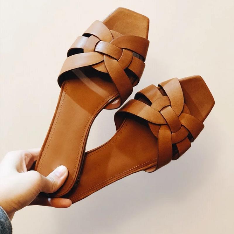 Desenhador de Chinelos Mulheres Luxo Sandálias Plana Peep Toe Sapatos de Verão Marca Real Patent Ladies Ladies Slides Plus Si EPMT