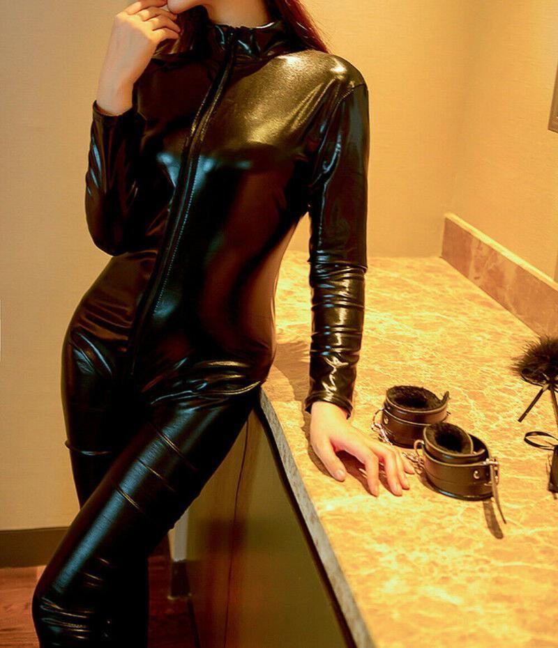 여성용 점프 수이 rompers 여성 섹시한 여성 Jumpsuit 긴 소매 PU 가죽 지퍼 스타일 의류 Playsuit 저녁 파티