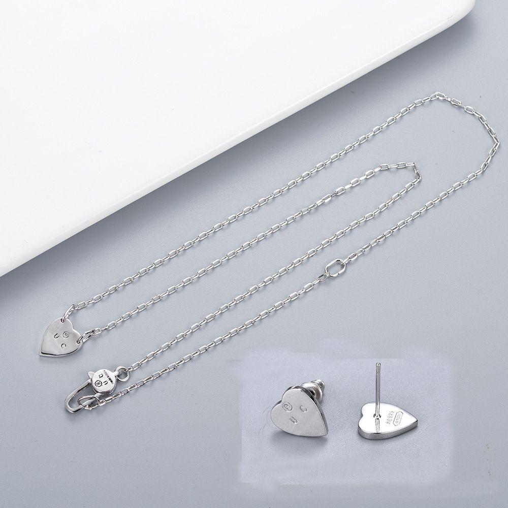 Fashion Style Lady Necklace Pendiente grabado letra plateada collares con un solo colgante del corazón