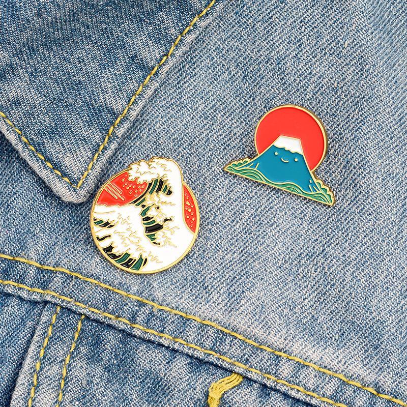 일본의 에나멜 바다 핀 브로치 만화 웨이브 마운트 후지 디자인 핀 스커트 옷깃을위한 배낭 카우보이 브로치 유니섹스 합금 배지 액세서리 도매