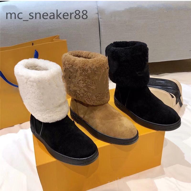 2021 Designers Bottes de neige Femmes Mode Soft Cuir Flat Filles Casual Winter Brown Shoe avec demi-botte de fourrure Noir Taille 35-41