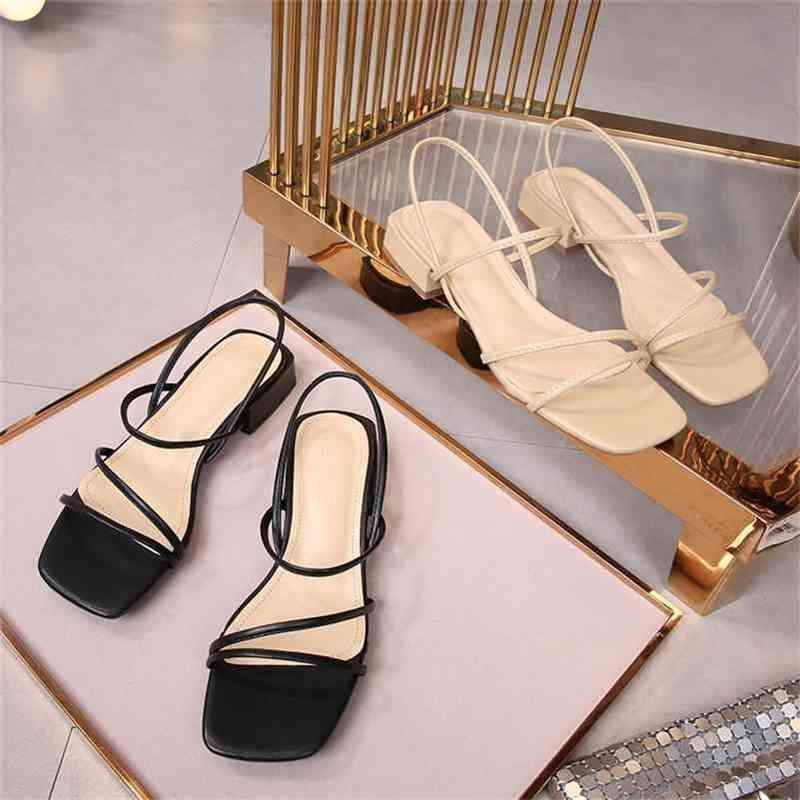 Sandálias Low Heel Outer desgaste feminino verão confortável tamanho grande 41-43 gordura larga espessa todos os jogos pequenos 32 210427