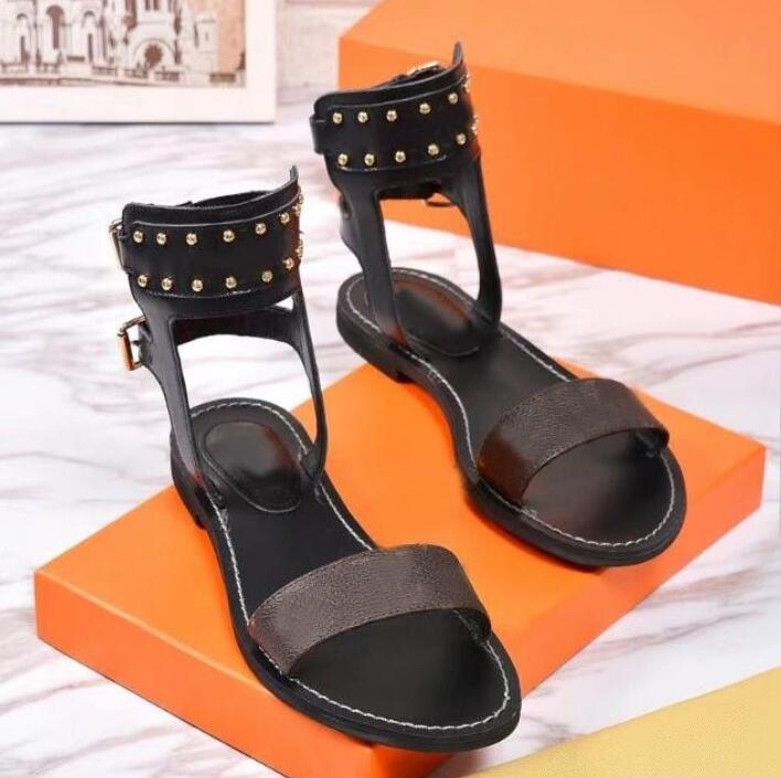 السيدات شاطئ الصنادل الرومانية المصممين الصنادل Luxurys النساء الصيف الشقق أحذية عالية النعال المرأة عارضة الشقق الأحذية مع مربع 35-42
