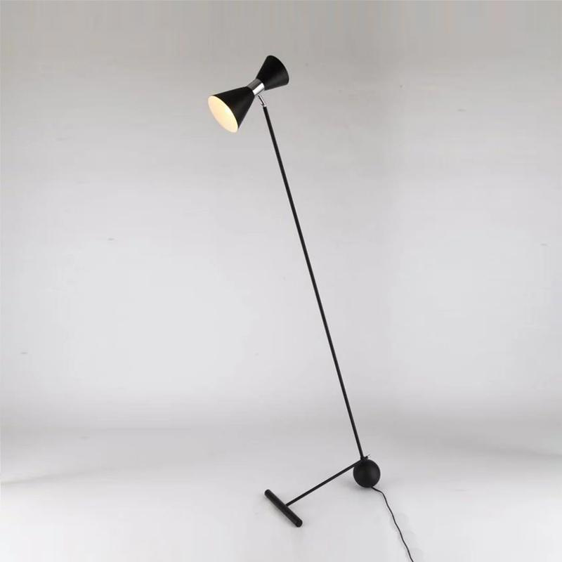 Lâmpadas de assoalho Modelo sala de estar lâmpada de arte decoração vertical branco preto ouro luz za81226