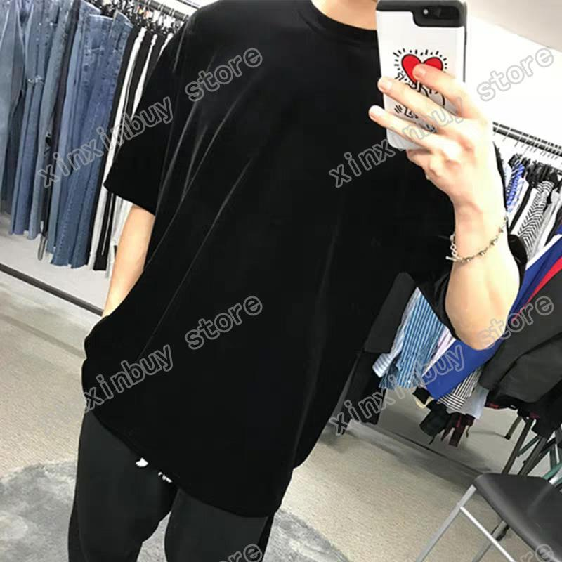 2021 디자이너 Mens Womens Womens T 셔츠 남자 파리 패션 티셔츠 엠 보스 편지 남자 의류 최고 품질의 티셔츠 거리 짧은 소매 Luxurys Tshirts 의류