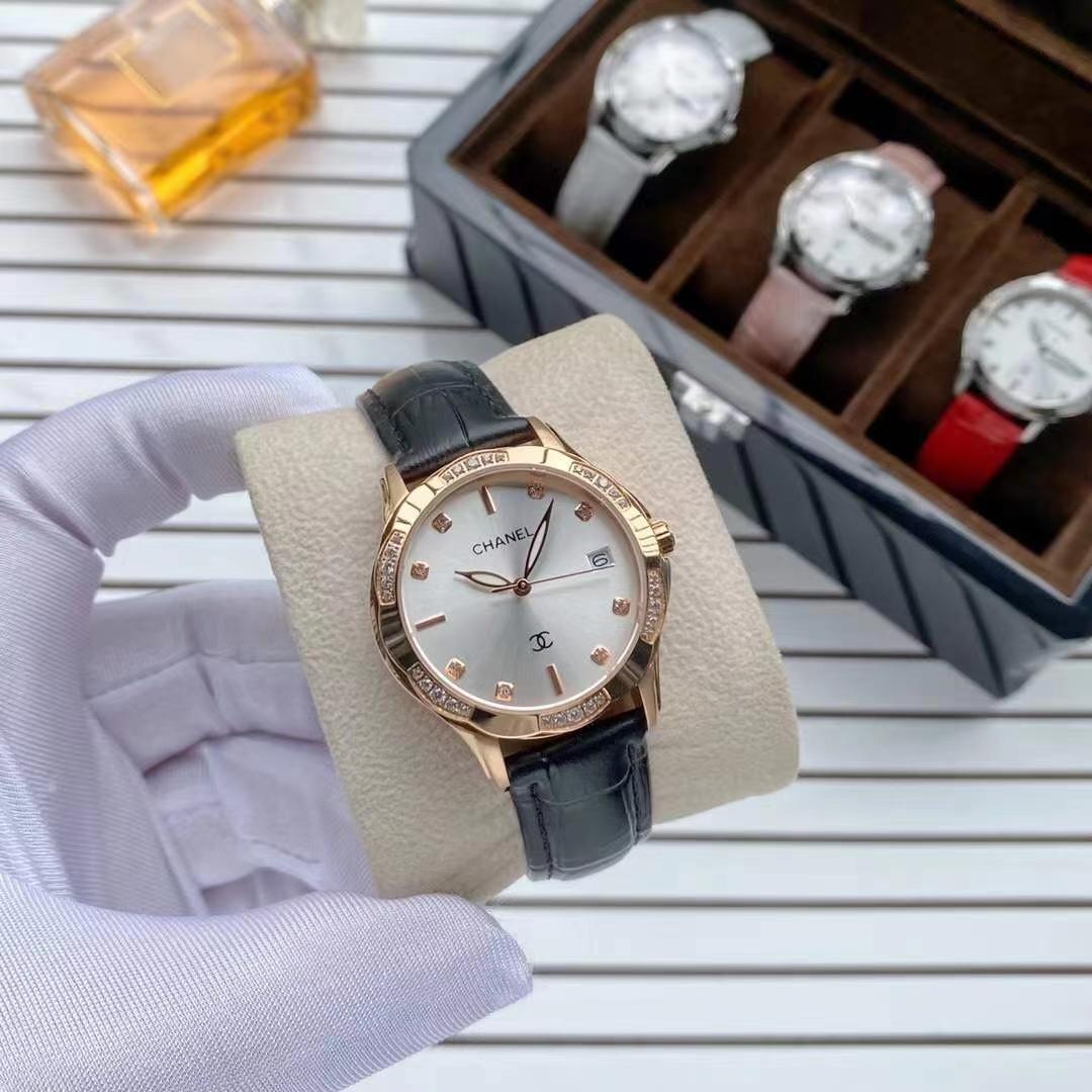 Montre mécanique automatique de marque haut de gamme, Mouvement de quartz importé Miroir Saphir Saphir Mirror Fine Steel Case, Diamètre 33mm, Emballage exquis