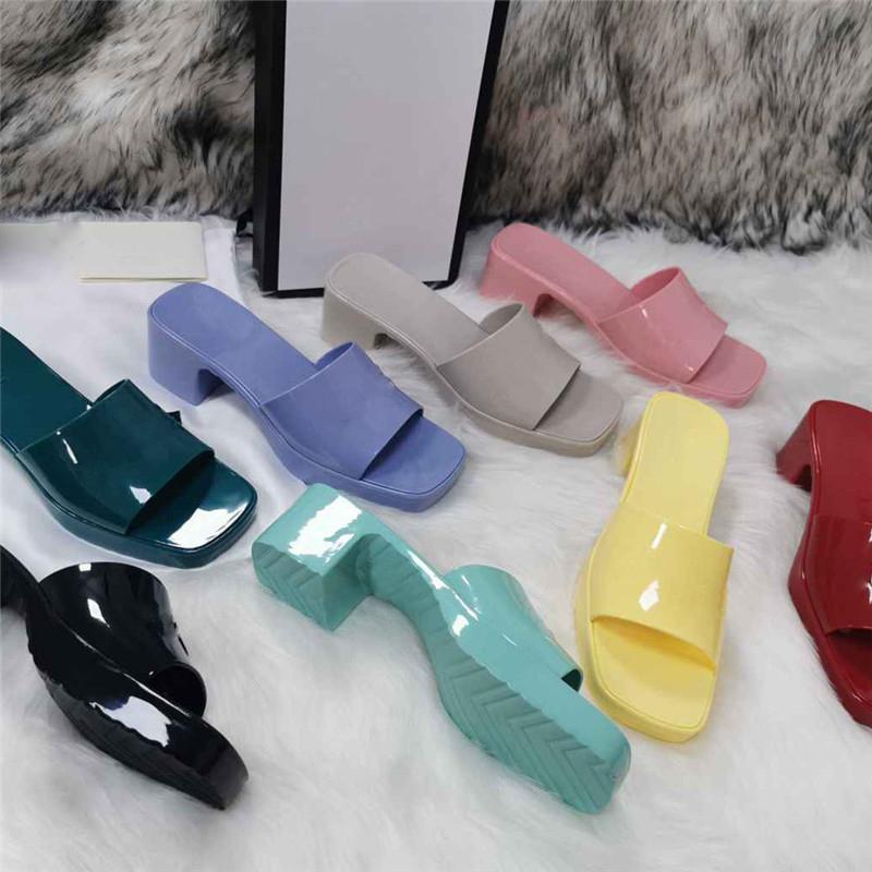 Sommer Frauen Druck Sandalen Süßigkeiten Farben Dicke Bodenschuhe Plattform Alphabet Lady Patent Trainer Strandurlaub Outdoor Hausschuhe mit Box