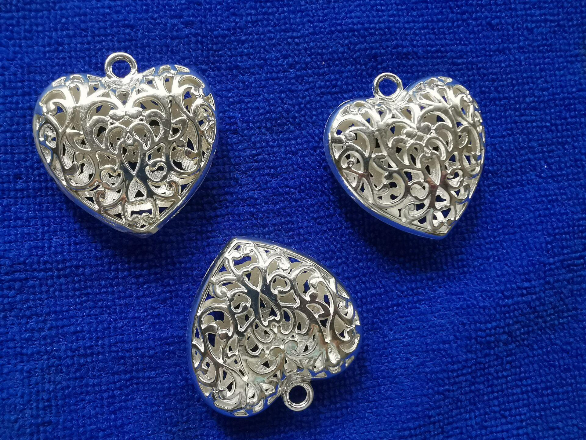 6st Sterling Silver Plate Metal 50mm Filigree Heart Charm Pendants A10472SSP